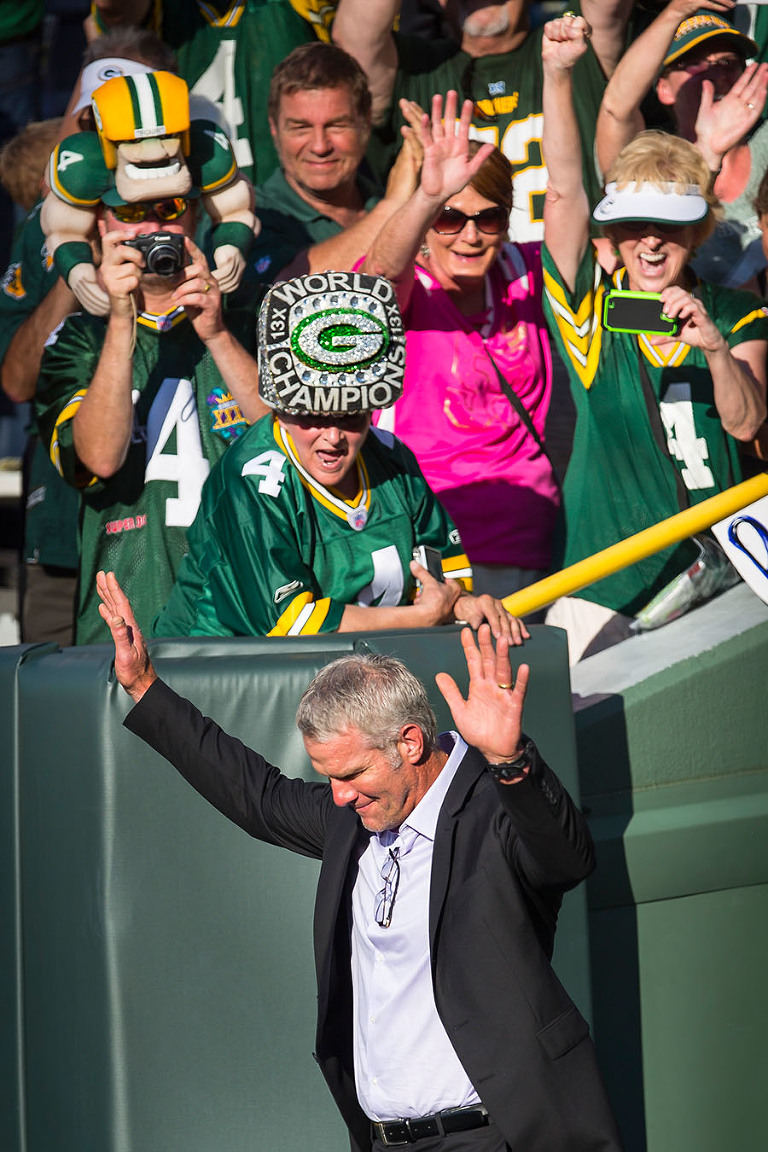 10 Brett Favre Return to Lambeau