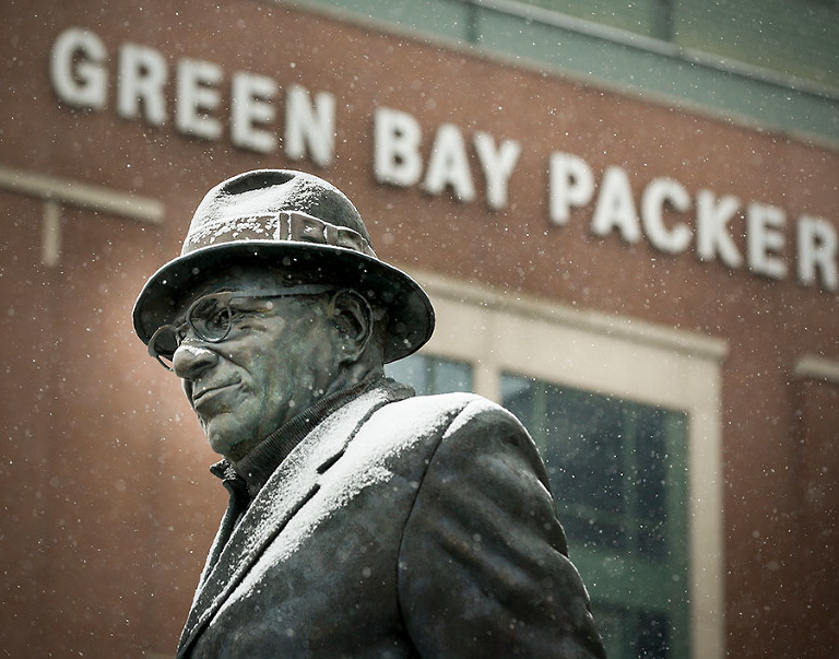 before an NFL football game Sunday, Dec. 4, 2016, in Green Bay, Wis. (AP Photo/Mike Roemer)