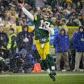17 Packers Aaron Rodgers Snow